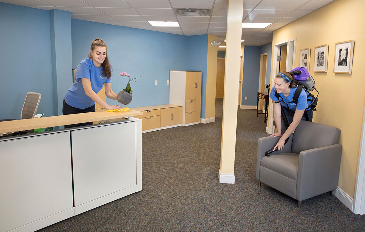Maine retail cleaning service
